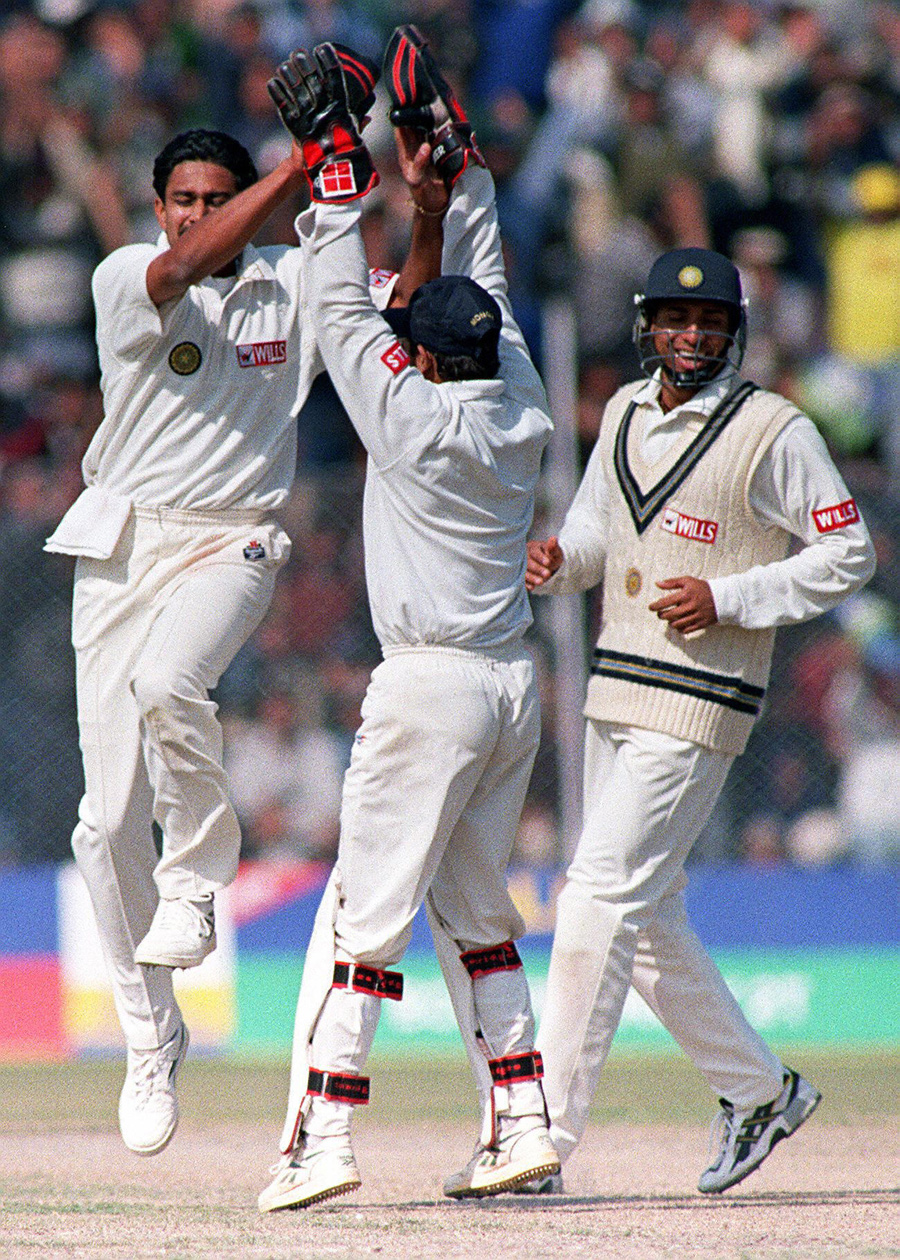 Nayan Mongia was involved in just the first of the 10 wickets - that of Shahid Afridi