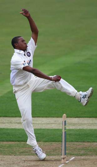 Chris Jordan impressed with two wickets at The Rose Bowl, Hampshire v Surrey, County Championship, The Rose Bowl, May 15, 2008