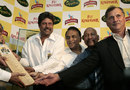 Kapil Dev, Sunil Gavaskar, Syed Kirmani and Roger Binny present a bat autographed by the entire 1983 World Cup-winning team, Bangalore, June 3, 2008