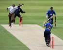 Pedro Collins just fails in his attempt to catch Chris Nash, Surrey v Sussex, Twenty20 Cup, The Oval, June 15, 2008