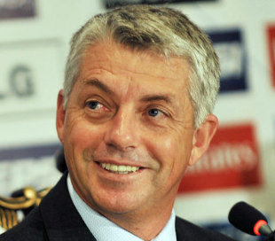 Acting ICC chief executive Dave Richardson smiles during the launch ceremony of the Champions Trophy, Lahore, June 18, 2008