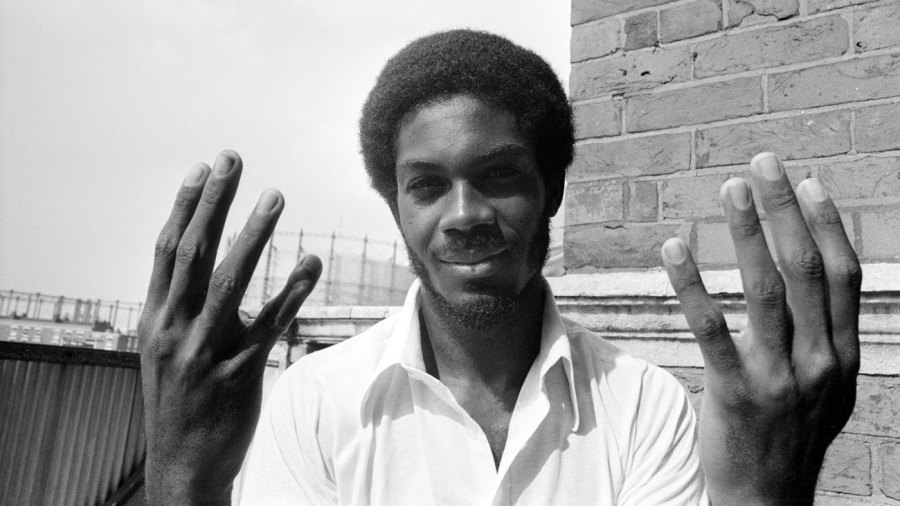 Michael Holding jolts England with eight first-innings wickets