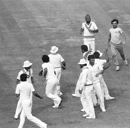 India's fans invade the pitch during the final, World Cup 1983