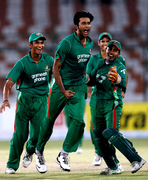 Shahadat Hossain is pumped up after picking two wickets