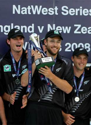 Daniel Vettori holds aloft the series trophy after their 51-run victory, England v New Zealand, 5th ODI, Lord's, June 28, 2008