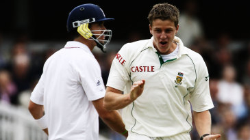 Kevin Pietersen fell to Morne Morkel for 152