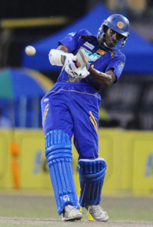 Jehan Mubarak muscles the ball on his way to an unbeaten 47, Sri Lanka v India, 5th ODI, Colombo, August 29, 2008