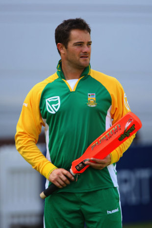 Mark Boucher warms up for the fourth ODI, England v South Africa, 4th ODI, Lord's, August 30, 2008