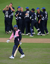 Tyron Henderson walks back after falling for a second-ball duck, Pro40, Hove, September 11, 2008