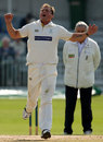 Darren Gough goes close on the final day of Yorkshire's match at Scarborough, Yorkshire v Somerset, Scarborough, September 20, 2008