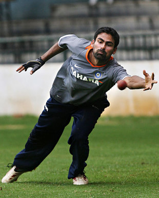 Mohammad Kaif dives to take a catch, Bangalore, September 29, 2008