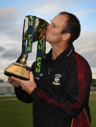 Durham captain Dale Benkenstein kisses the Championship trophy, Chester-le-Street, September 29, 2008