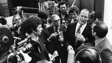 Kerry Packer faces the media