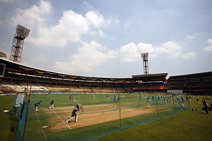 An overview of the nets session at the Chinnaswamy Stadium, Bangalore, October 7, 2008