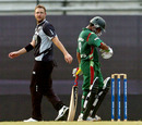 Daniel Vettori glances as Mohammad Ashraful reflects on a shot, Bangladesh v New Zealand, 1st ODI, Mirpur, October 9, 2008