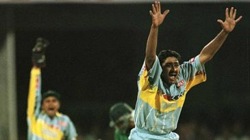 Anil Kumble appeals unsuccessfully against Aamer Sohail in the quarter-final of the 1996 World Cup