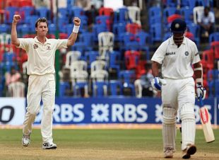 Brett Lee is thrilled after dismissing Rahul Dravid, India v Australia, 1st Test, Bangalore, 5th day, October 13, 2008