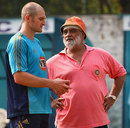 Bishan Bedi gives bowling tips to Jason Krejza, Delhi, October 26, 2008