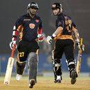 Rohan Gavaskar and Lance Klusener steal a quick single, Hyderabad Heroes v Royal Bengal Tigers, ICL , Ahmedabad, November 11, 2008