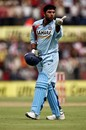 Yuvraj Singh blows a kiss to the pavilion, India v England, 2nd ODI, Indore, November 17, 2008
