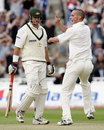 Simon Jones advises Matthew Hayden where the pavilion is