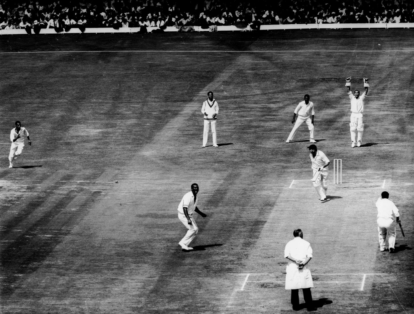 The counter-seduction: Graveney and Murray gently pile on the runs against West Indies
