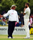 Umpire Mark Benson has a word with Daniel Vettori, New Zealand v West Indies, 1st Test, Dunedin, 4th day, December 14, 2008