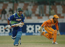 Khurram Manzoor sets out for a run, Sind Dolphins v North West Frontier Province Panthers, Pentangular One Day Cup, Karachi, December 18, 2008