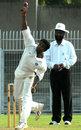 Pritam Gandhe bowls, Ranji Plate League, 2008