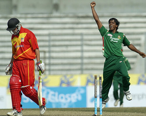 Rubel Hossain celebrates after dismissing Malcolm Waller