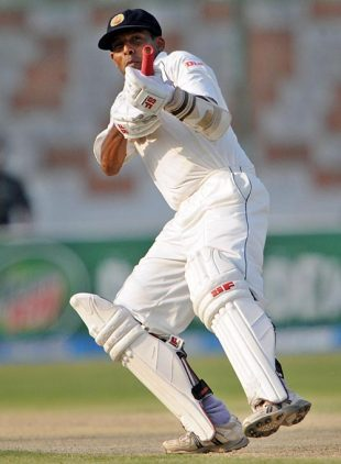 Thilan Samaraweera celebrates his hundred, Pakistan v Sri Lanka, 1st Test, Karachi, 1st day, February 21, 2009