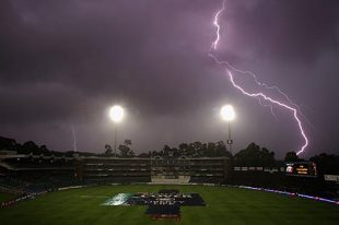 Lightning at the Wanderers, South Africa v Australia, 1st Test, Johannesburg, 3rd day, February 28, 2009