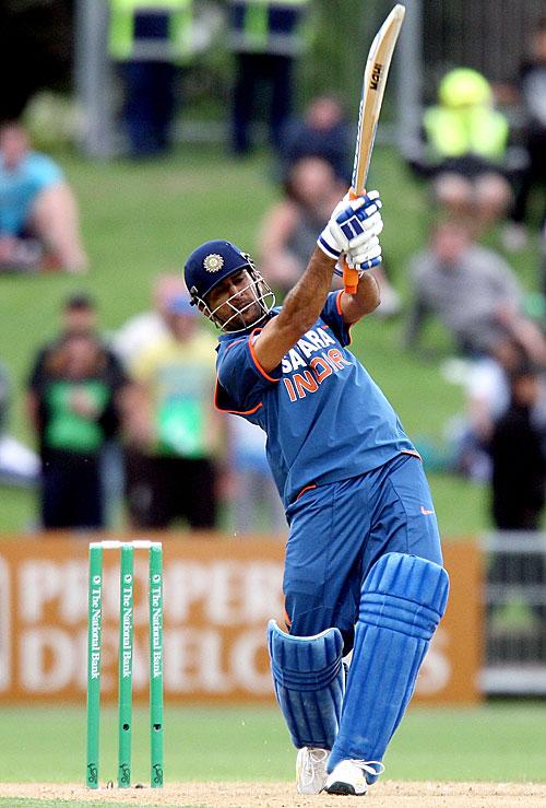 Mahendra Singh Dhoni Goes Over The Top Photo New Zealand V India