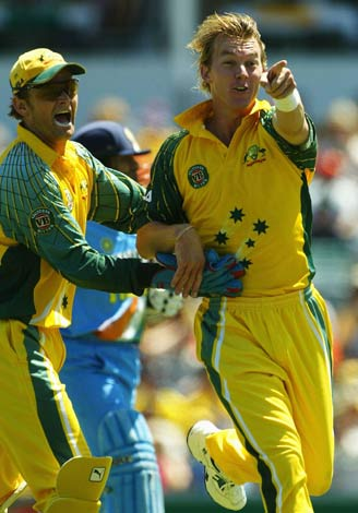 Australia get off to a dream start as Brett Lee nails Sachin Tendulkar, Australia v India, 11th match, VB Series, Perth, February 1, 2004