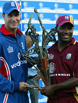 Michael Vaughan and Brian Lara share the spoils at the end of the drawn one-day series © Getty Images