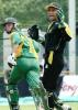 Pakistani wicketkeeper Atiq uz Zaman (R) looks on as South African batsman Gary Kirsten (L) sprints for a run in the Singapore Challenge 2000. Godrej Singapore Challenge 2000/01, Final Pakistan v South Africa,  Kallang Ground, Singapore 27 Aug 2000