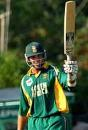 Jacques Kallis acknowledges the applause for his 50