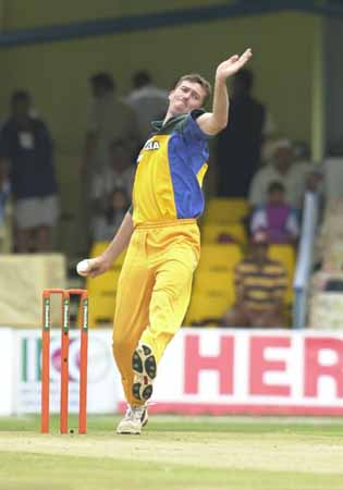 Glenn McGrath bowling against India | Cricket Photo | ESPN Cricinfo