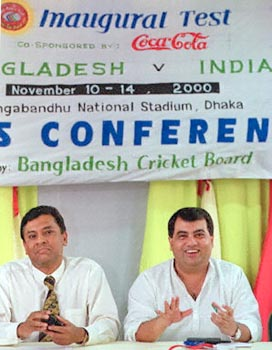 Bangladesh Cricket Board (BCB) president Saber Hossain Chowdhury (R) answers a question as BCB general secretary Asraful Haque listens, during a press conference, 04 November 2000, in Dhaka.