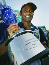 Hashan Tillakaratne with the series trophy after Sri Lanka's innings win - his first in eight matches as captain © Getty Images
